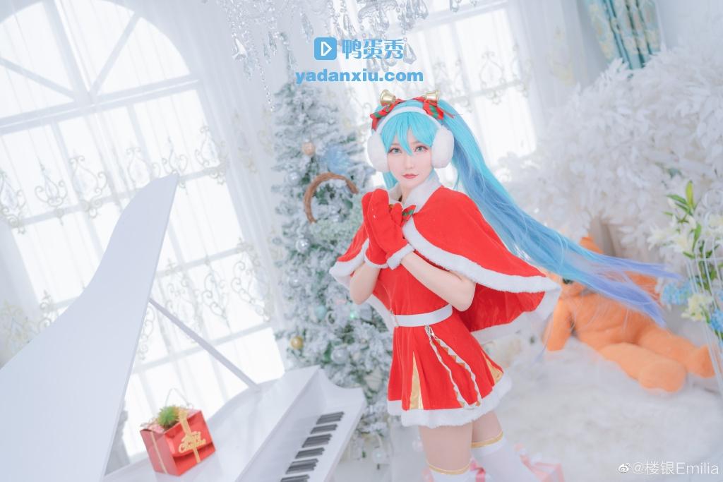 初音未来圣诞老人冬日装扮