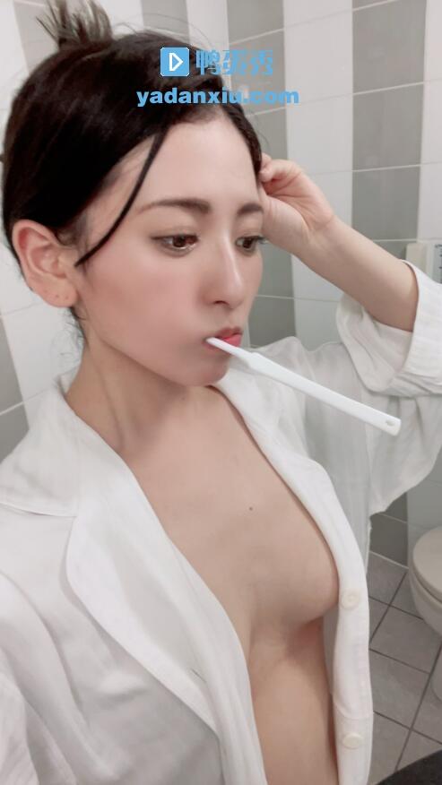 纱纱原百合生活照
